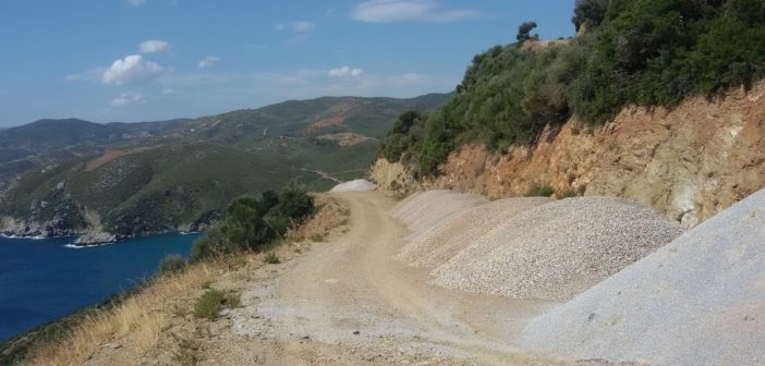 Ουσιαστικές παρεμβάσεις στην αγροτική οδοποιία από το Δήμο Αλιβερίου-Κύμης