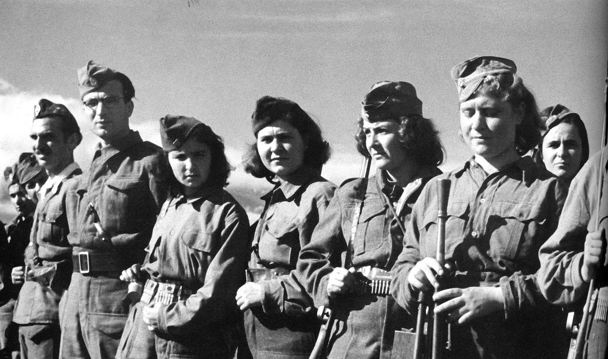 Οι Γυναίκες στο Έπος του «'40». - STEREA NEWS